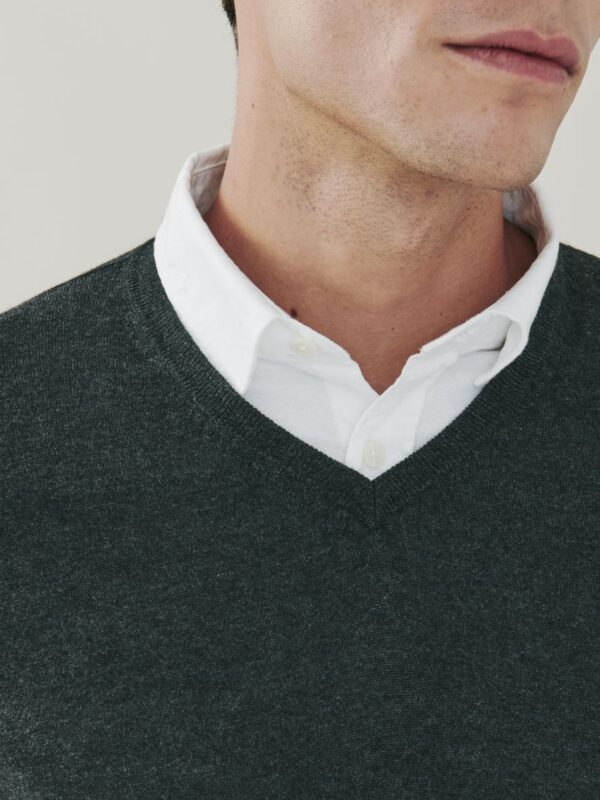 Pitt Cashmere and Silk V Neck Sweater - Charcoal Grey