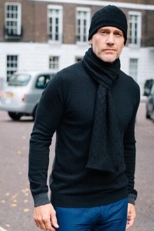 FLYNN – Black basket weave cashmere scarf MrQuintessential