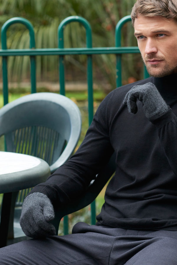 Alpine Cashmere Gloves - Charcoal MrQuintessential