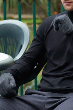 Alpine Cashmere Gloves - Charcoal MrQuintessential
